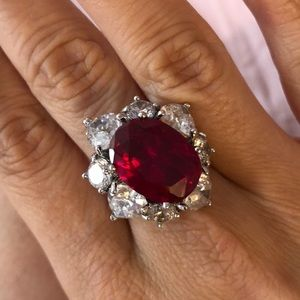 Gorgeous red ring